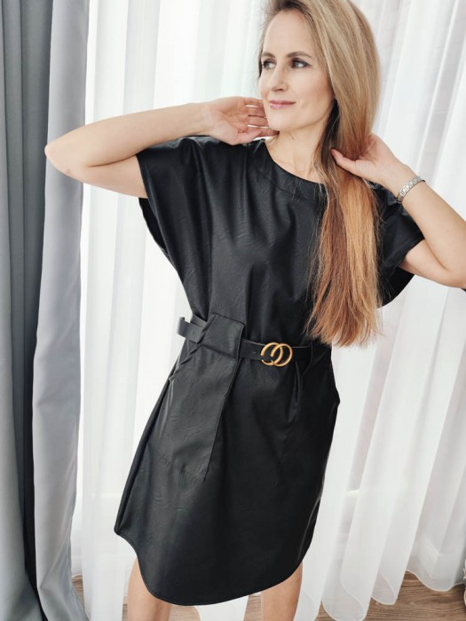 Suknelė dirbtinės odos su dirželiu