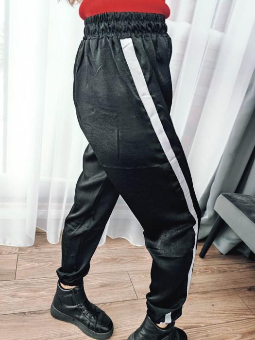 Sportinės kelnės su balta juostele juodos