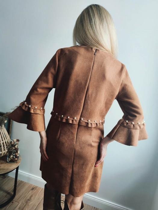 Suknelė velvetinė ruda