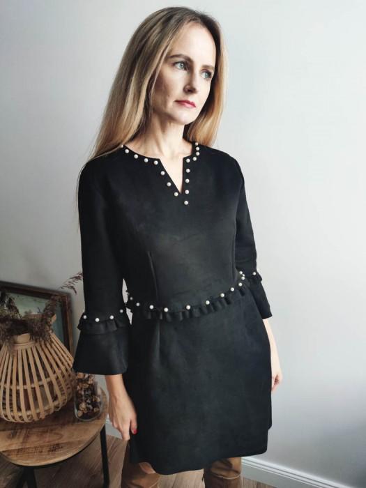 Suknelė velvetinė juoda