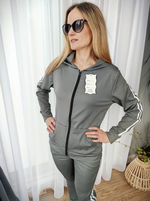 Sportinis kostiumas su juostelėm pilkas