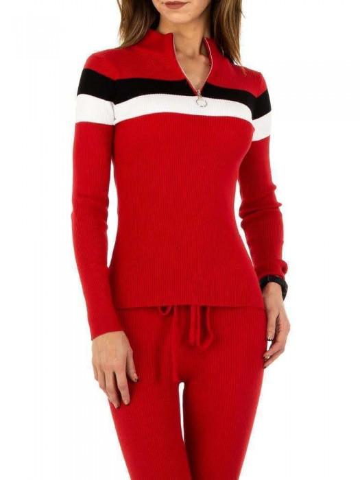 Kostiumas raudonas megztas