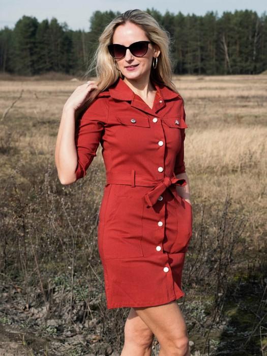 Suknelė-tunika su sagom plytų spalva